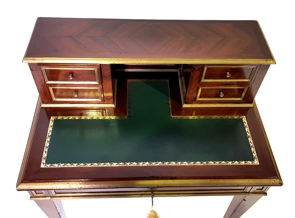 Good Quality 19th Century Rosewood Ladies Writing Desk with Brass Mounts