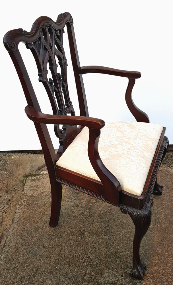 Good Quality Set of 8 Edwardian Solid Mahogany Chippendale Style Dining Chairs
