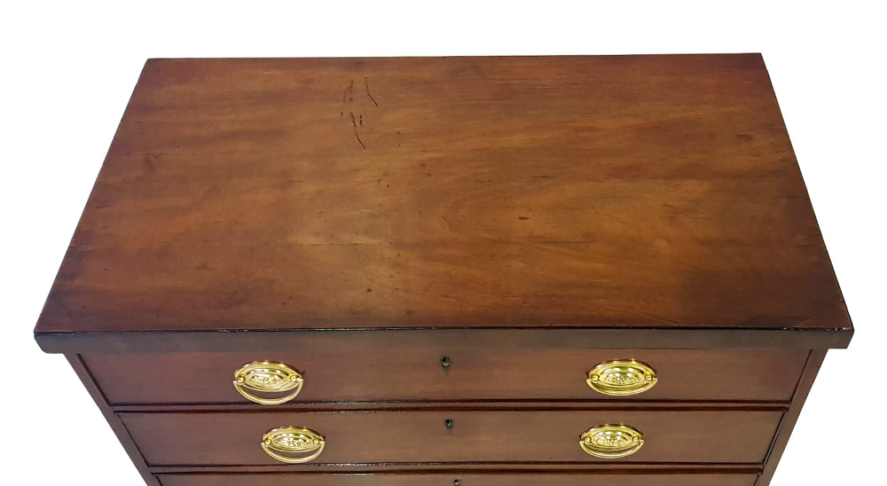 Good Quality Early 19th Century Mahogany Chest of 4 Drawers