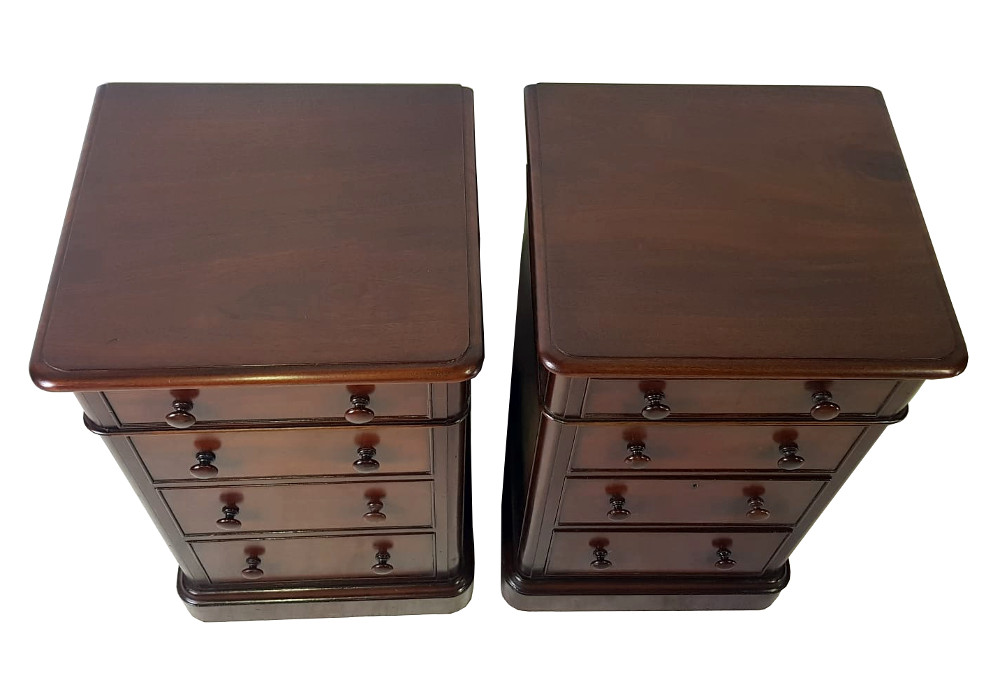 19th Century Pair of Mahogany Bedside Chests