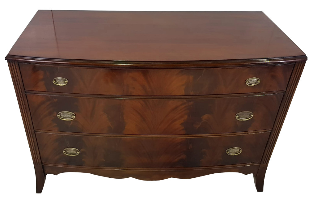 Early 20th Century Flame Mahogany Chest of Drawers