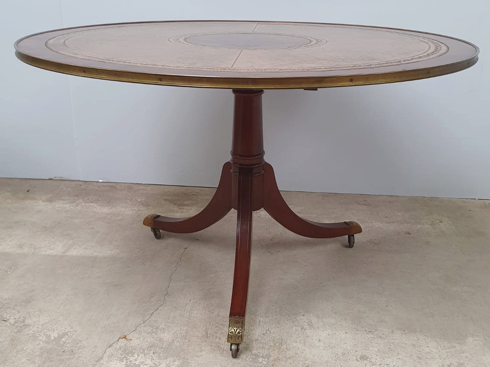 Mid 20th Century Mahogany And Rosewood Centre Table