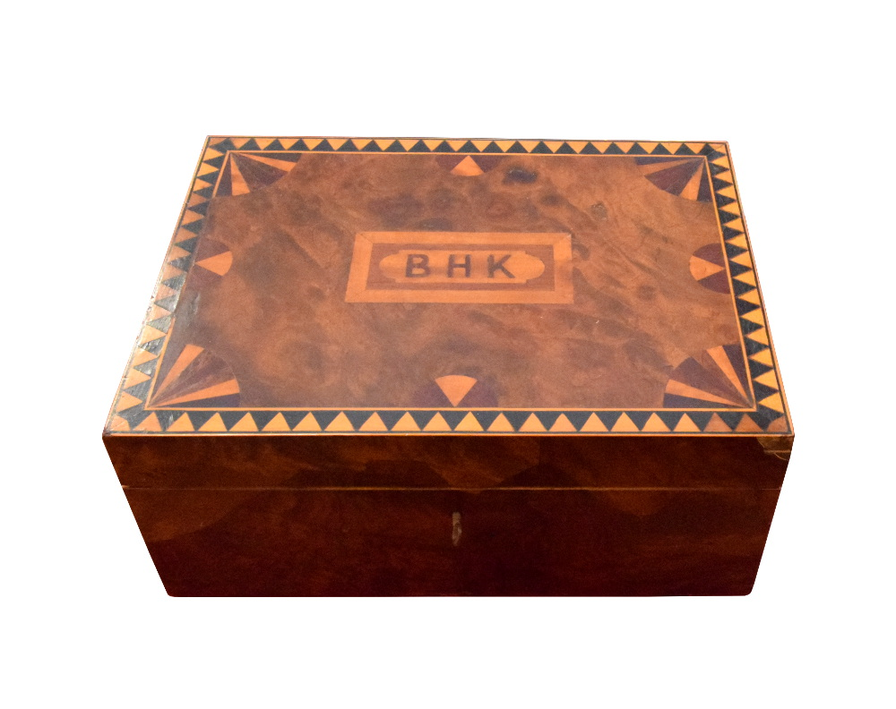 Good Quality Victorian Inlaid Walnut Jewlerry Box With Satinwood Interior
